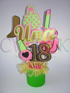 buket aranzman za osamnaesti rodjendan, dekoracija rodjendanskog stola