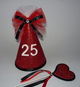 rodjendanske kape sa sljokicama, kapa crveno crna glitter, deciji rodjendani, dekoracija, rodjendanska dekoracija, masna, srce, dekoracija za devojacko vece