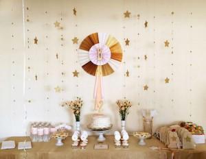 slatki sto zlatne zvezde, dekoracija stola