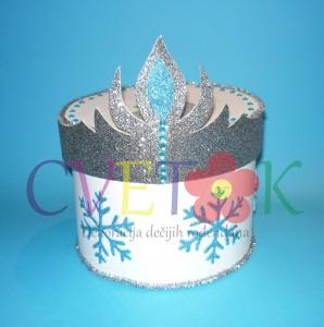 zaledjeno kraljevstvo kutija, papirna torta na temu frozen, kutija za slatkise elza