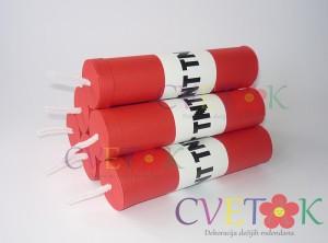 kutija za slatkise tnt minecraft, tnt stap kao dekoracija rodjendana na temu minecraft