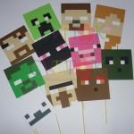 foto-rekvitizi na temu minecraft, maske za rodjendane minecraft, dekoracija rodjendana minecraft photobooth