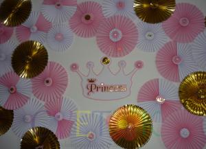 zidna dekoracija od rozeta, lepeze za dekoraciju rodjendana