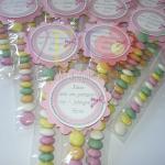 bombone sa posvetom za decije rodjendane, bombonice kao dekoracija decijih rodjendana