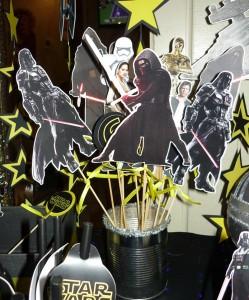 dekoracija decijih rodjendana star wars, stapici na temu ratovi zvezda