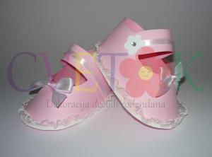 kutija za slatkise decije cipele, dekoracija za prvi rodjendan cipelica , sandale za devojcice kao dekoracija za slatki sto