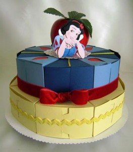 papirna torta snezana, torta od kartona snezana i sedam patuljaka