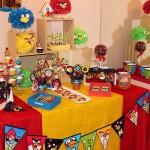 slatki sto angry birds, dekoracija decijih rodjendana ljute ptice, rodjendanski sto na temu angry birds