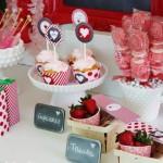 ukrasavanje stola srce, srca dekoracija za rodjendan