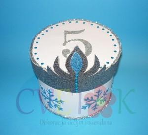 dekorativna kutija na temu frozen, kutija za slatkise frozen, papirne torta za vrtic frozen, zaledjeno kraljevstvo torta