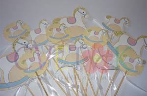 dekoracija za rodjendane konjic, dekorativni stapici ne temu konjic