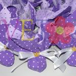 ferrero rocher u vrećicama sa zlatnom krunom, dekoracija za slatki sto za princeze